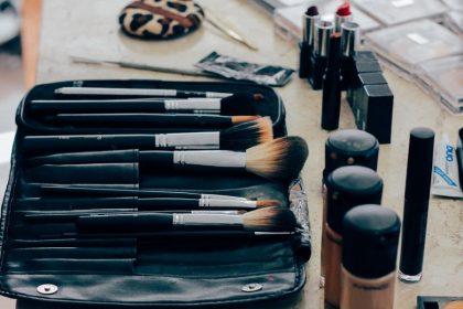 Gemellini pennelli Mac per il viso
