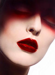 Ellis Faas: il make-up del futuro!