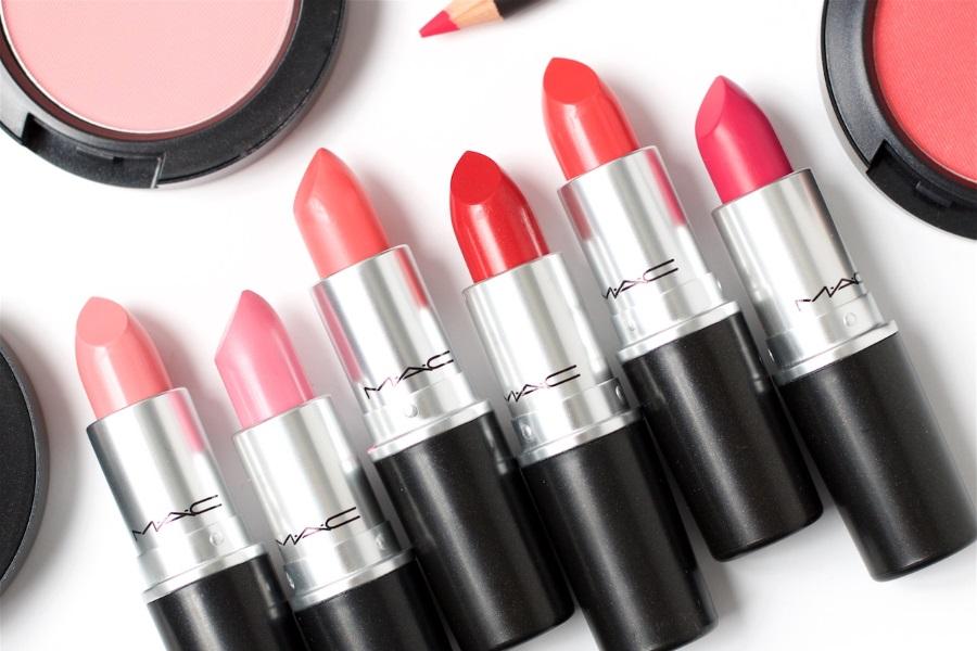 Guida ai finish dei rossetti Mac Cosmetics