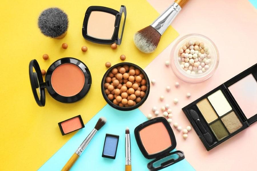 Vendere cosmetici: ecco come iniziare!