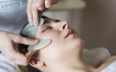 Gua Sha Viso e Corpo: a cosa serve e dove comprare questo beauty tool