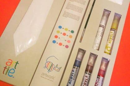 ArtTie gioco creativo: la cravatta pitturabile dai vostri bambini