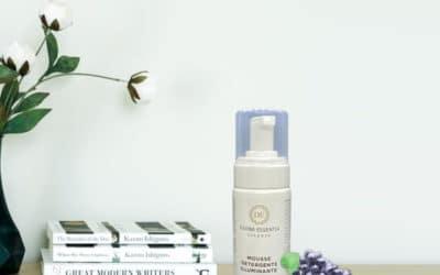Mousse detergente viso: come si usa e come sceglierla?